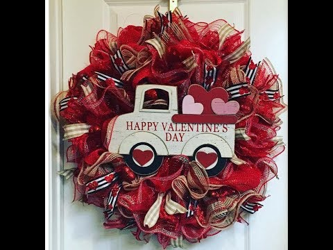 How to make an Valentines Truck Wreath wtih PoufRuffle method