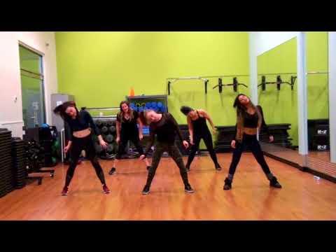 Zumba class with Yana Canada - Basic fun cumbia choreo