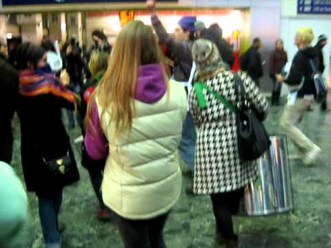 Euston Station Flash Mob - 8/12/10