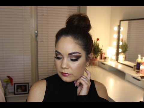 Brown Smokey Eye with Gold Pigment