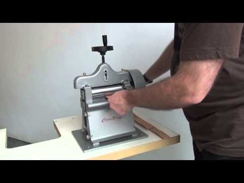 Leather splitting and skiving machine