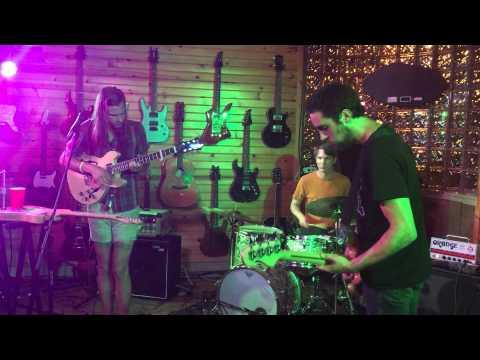 Narrow/Arrow - Impress Your Parents live @ Mansfield Music Fest 6