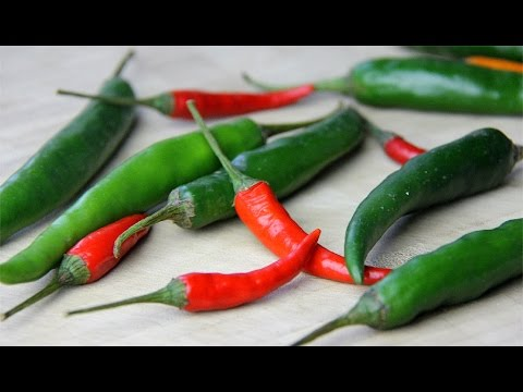 How To Remove The Seeds From Chili Peppers.