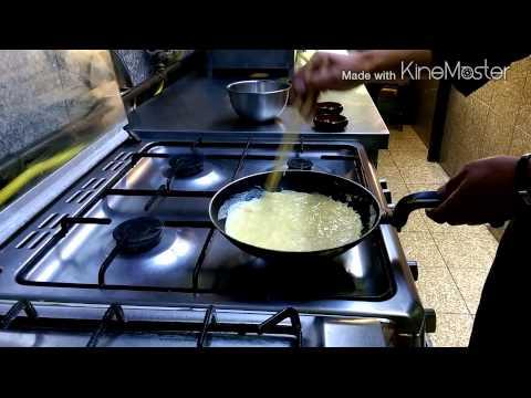 Making Japanese Omelette
