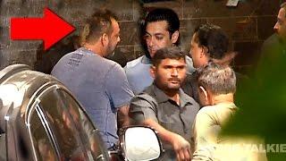 Emotional Sanjay Dutt Hugs Salman Khan At Ganpati Visarjan 2015 Celebrations