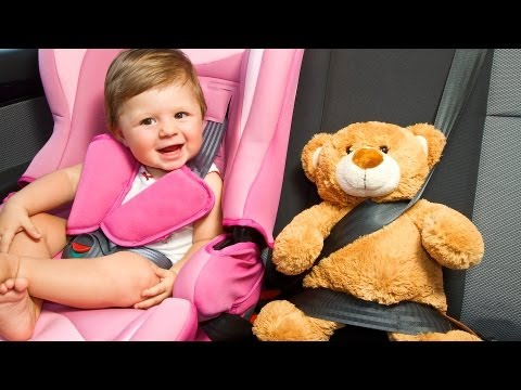 How to Keep Baby Happy in a Car Seat | Baby Travel