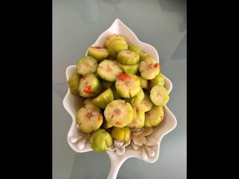 Coc ngam chua ngot/Pickled ambarella