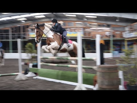 Schooling with Murphy || Spooky course & rubbish riding! [inc fall]