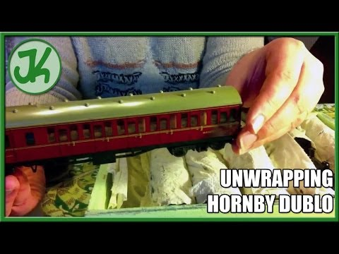 Unwrapping Hornby Dublo