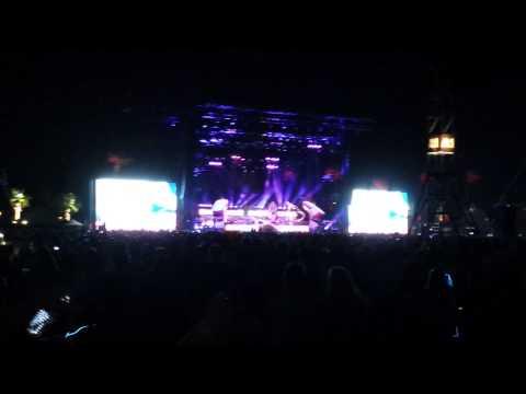 Coachella 2014 Week 1 - Girl Talk - Paper Planes Lorde