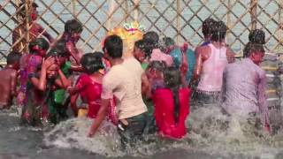 Open holy bath at Yamuna Ghat, India