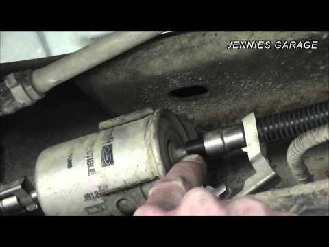 How To Remove Ford Fuel Line Fittings Without Fancy Tools! Quick Disconnect DIY