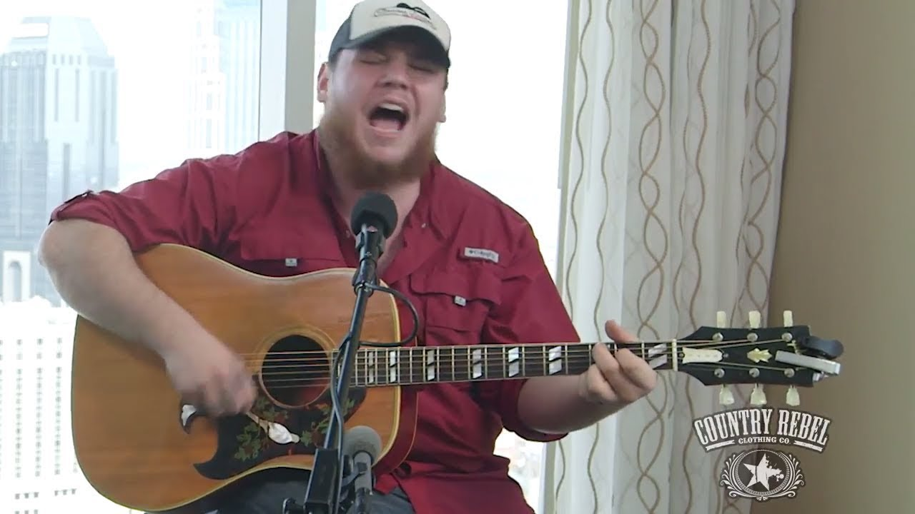 Luke Combs - Can I Get an Outlaw