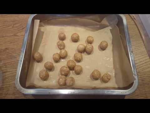 No Bake Peanut Butter Treats For Dogs!