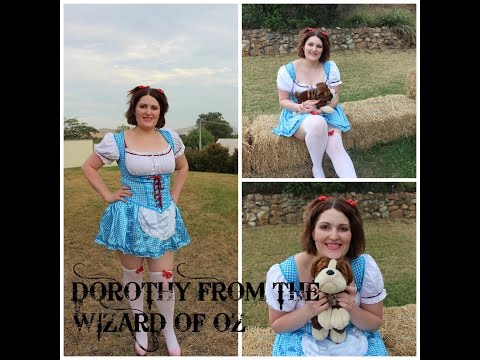 Halloween tutorial Dorothy from the Wizard of Oz makeup and costume