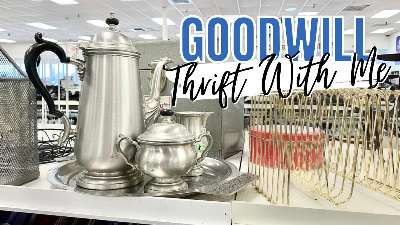 THRIFT WITH ME AT GOODWILL + HAUL! | Hunting for vintage and farmhouse home decor!