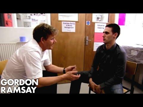 Gordon Offers Prisoner A Trial At Savoy Restaurant - Gordon Behind Bars