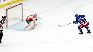 Rangers' Carey scores shorthanded after Weal takes a spill