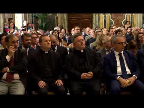 Pope Francis speaks about global compact on refugees | Catholic Newsbreak 6-19-2018
