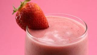 How To: Easiest Strawberry Smoothie