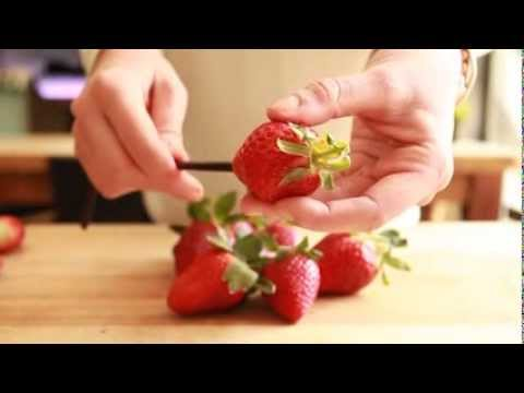 How to Remove the Core of a Strawberry in Seconds