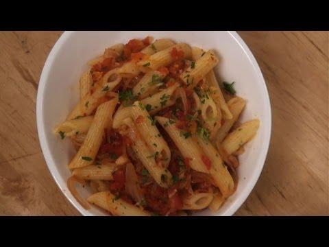 Quick Pasta in Tomato Sauce