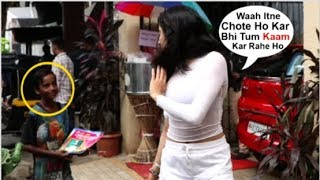 Jhanvi Kapoor's SWEET Moment With A Little Kid Selling Books On The Streets
