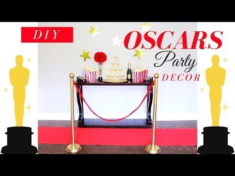 DIY OSCARS PARTY DECOR   DIY STANCHIONS   DIY OSCAR STATUE