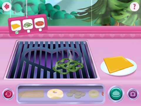 Minnie's Mouse Grill Station in Food Truck - Disney App   Greens, Tomato & Cheese
