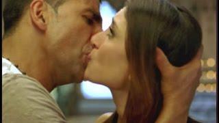 Akshay Kumar 7 Hottest Kisses !! | Kareena Kapoor, Priyanka Chopra and 5 More