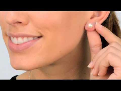 Regina's 7mm Freshwater Pearl Stud Earrings - White