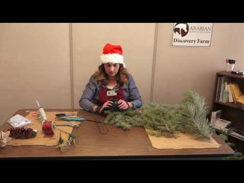 How to make a horse-inspired wreath for Christmas