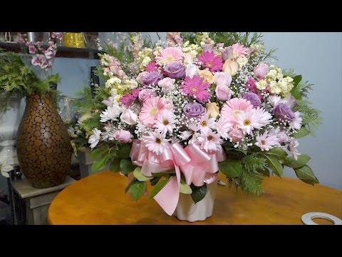 Wedding Ceremony Flower Arrangement DIY