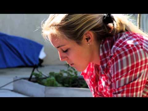 Vans Girls DIY: Surf Board Bags with Leila Hurst