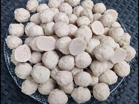 How to make meat balls (chicken) Lao food  ລູກຊີ້ນໄກ່ເດັ້ງ