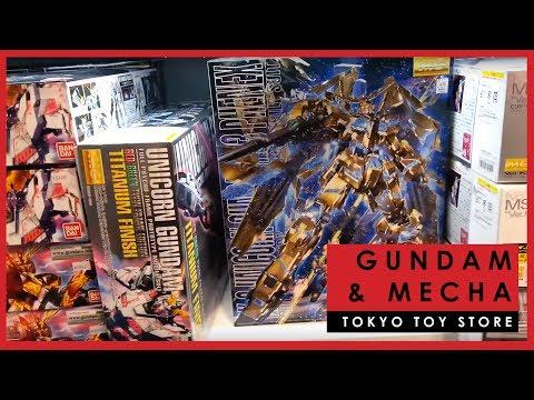 Gundam and mecha models at Hakuhinkan Toy Park, Tokyo