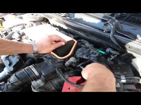 Ford Fiesta Mk6 1.4 TDCI - Changing Fuel Filter -Part-1, Removing the Old Filter