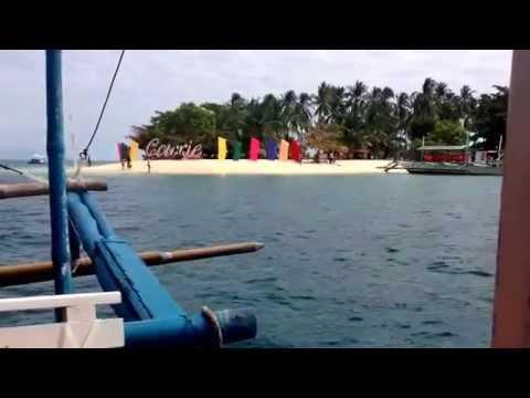 Approaching Cowrie Island, Palawan.