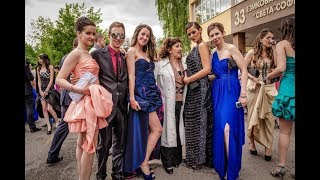 দেখুন বউ বাজার বা 'কনে হাট' wife market Bride Fair-Roma Bulgaria