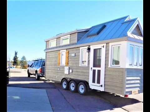 MY FIRST HOME!! OUR TINY HOUSE!! SEEING IT FOR THE FIRST TIME EVER!!! | ❁ | Lizzy Flowers