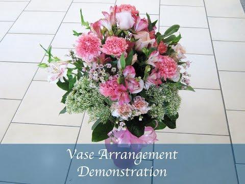 How to arrange flowers in vase