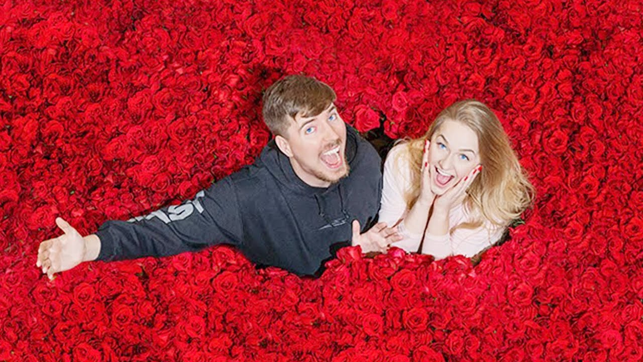 Surprising My Girlfriend With 100,000 Roses For Valentines Day