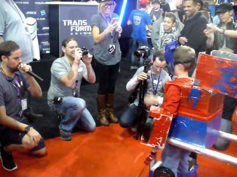 Calvin's transformation at NYC Comic con at the Transformers booth