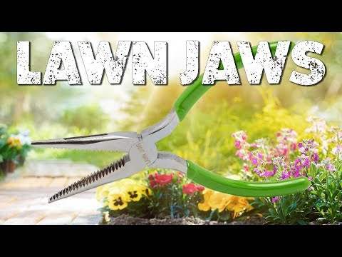 The Lawn Jaws: Keep your Lawn and Garden Beautiful and Weed-Free