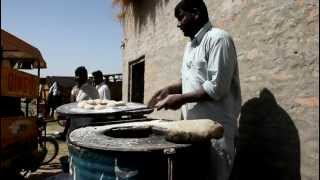 Fastest ever Chapati maker at Asian wedding in Pakistan!