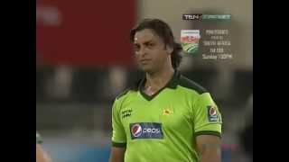 Shoaib Akhtar Classic - Hit the batsman then bowl him out