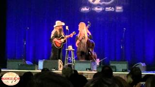 Chris Stapleton Sings Daddy Doesnt Pray Anymore Live At The Ryman Auditorium