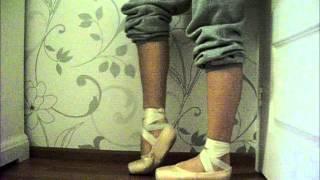 My pointe shoes, Bloch Triomphe vs Grishko 2007