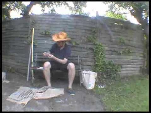 How to make Hen and Hammock's scarecrow kit