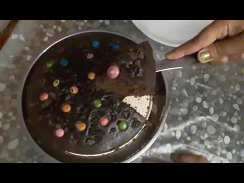 Chocolate Cake Recipe in Microwave in Hindi | How to Make Eggless Chocolate Cake